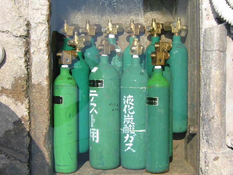 充填時に清掃していない消火器